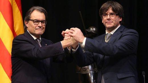 Artur Mas intenta dar algo de aire a Puigdemont, cercado por ERC, CUP y ANC