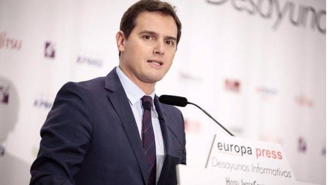 Ciudadanos saca rédito de la crisis catalana: un nuevo sondeo les coloca por delante de Podemos