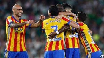 El Valencia, del desastre del año pasado a ser la revelación: 3-6 al Betis y segunda plaza