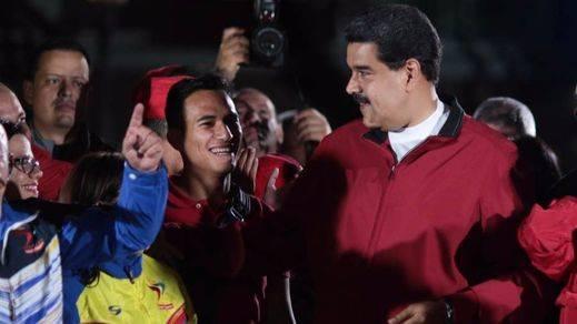 El chavismo se impone en la inmensa mayoría de las elecciones regionales entre sospechas