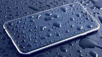 La garantía del iPhone 8, supuestamente resistente al agua, 'no cubre daños por líquidos'