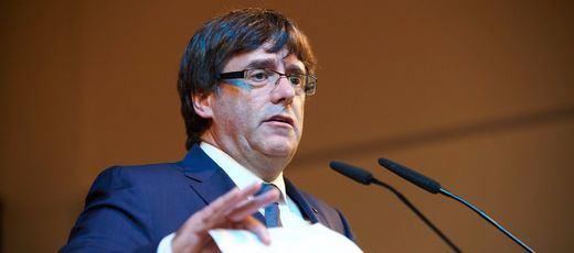 Otro inesperado giro de guión: Puigdemont podría comparecer en el Senado de manera urgente