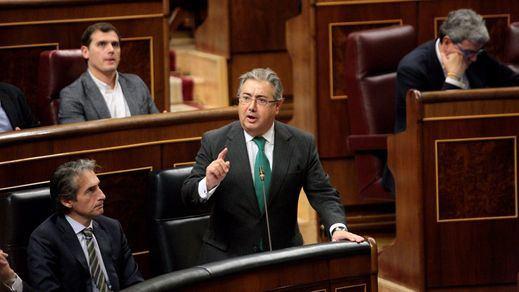 El incumplimiento de la cuota de refugiados causa la reprobación de otros dos ministros de Rajoy