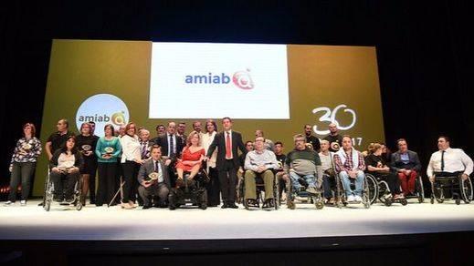 El presidente de Castilla-La Mancha, Emiliano García-Page, preside la gala con motivo del XXX Aniversario de la Asociación de Personas con Discapacidad de Albacete (AMIAB)