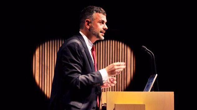 Dimite Santi Villa, el conseller de Empresa contrario a la declaración de independencia
