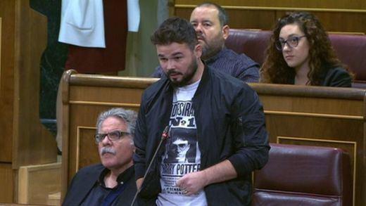 La 'coherencia' de los partidos secesionistas: mantienen sus escaños en Madrid pese reconocer su propia República