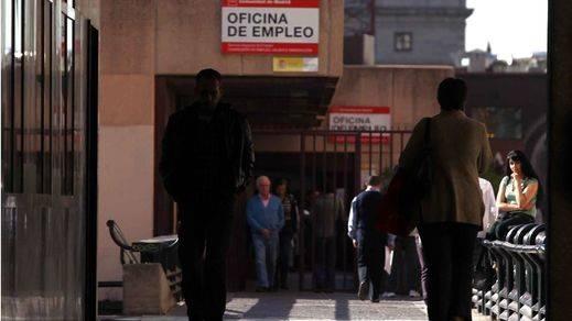Cataluña lidera la subida del paro en un mes de octubre que registra 3.467.026 desempleados