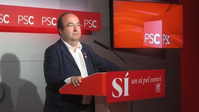 Iceta ofrece al PSC para un acuerdo constitucionalista con Cs y PP pero quiere incluir a los 'comunes'