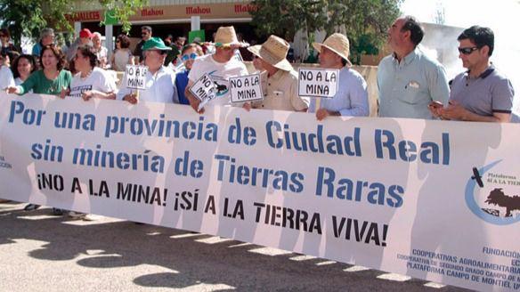 Manifestación contra el proyecto de minería de Tierras Raras en Ciudad Real