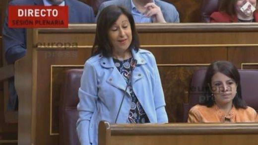 Lapsus de la portavoz del PSOE en el Congreso sobre los 'años de dictadura'