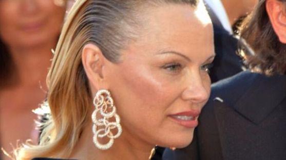 Pamela Anderson en Cannes. Foto Georges Biard