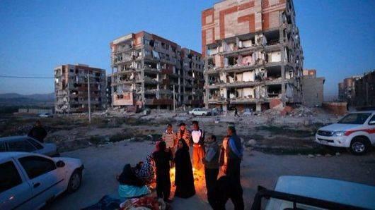 Más de 400 muertos ya en el terremoto en la frontera de Irán e Irak
