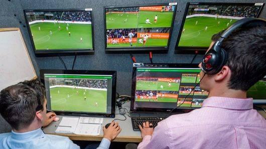 Confirmado: la Liga española también tendrá videoarbitraje, el VAR