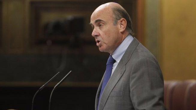 De Guindos revela que las agencias de calificación iban a mejorar la nota de España antes de la crisis catalana