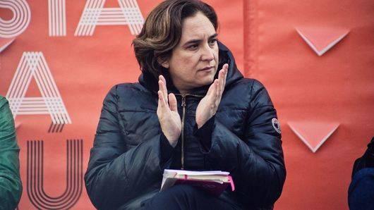 Elecciones Cataluña: los 'comunes' de Ada Colau pedirán en su programa un referéndum pactado con el Estado