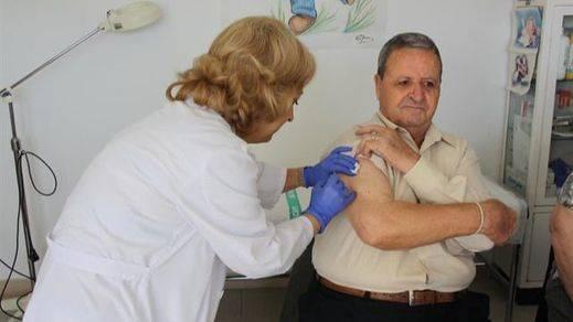 El PSOE niega el desabastecimiento de vacunas para la gripe que denuncia el PP