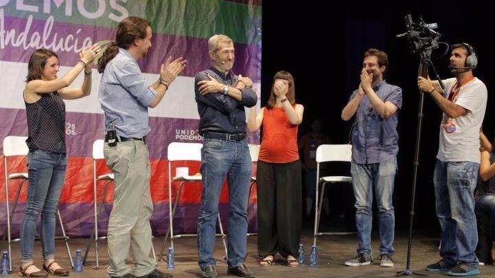 Julio Rodríguez junto a dirigentes de la cúpula de Podemos