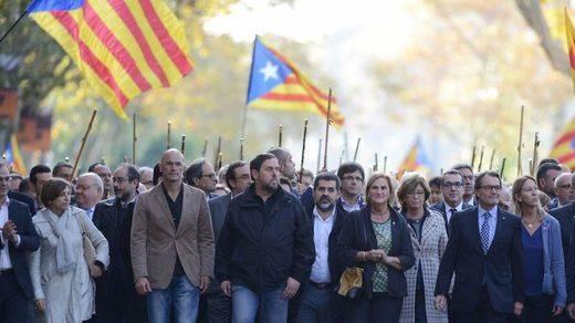 La trampa de los partidos catalanes en sus programas electorales: no renunciarán a la independencia