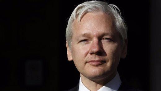 Ecuador pone en su sitio a Assange por tratar como a una dictadura a España