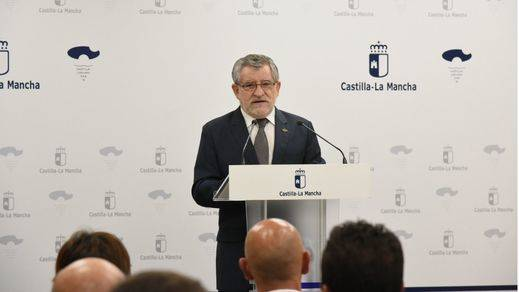El PP reclama el cese del consejero de Educación 'por el problema que ha causado a la Universidad de Castilla-La Mancha'