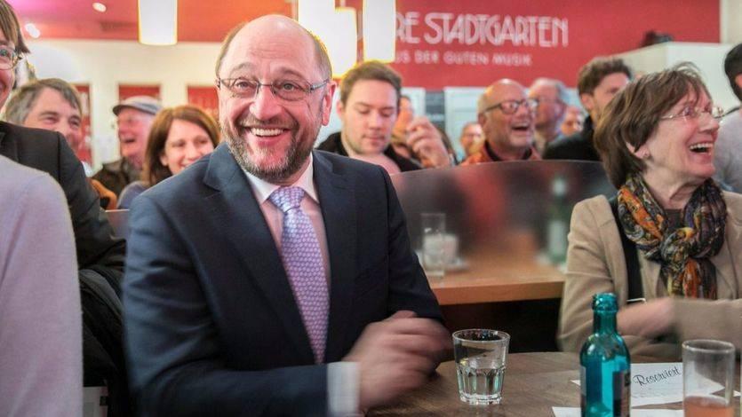 Presionan a los socialdemócratas alemanes para que permitan gobernar a Merkel