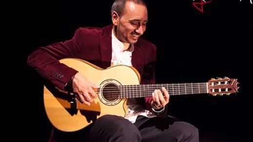 El más original homenaje a Eduardo Galeano con la magnífica guitarra de Rycardo Moreno