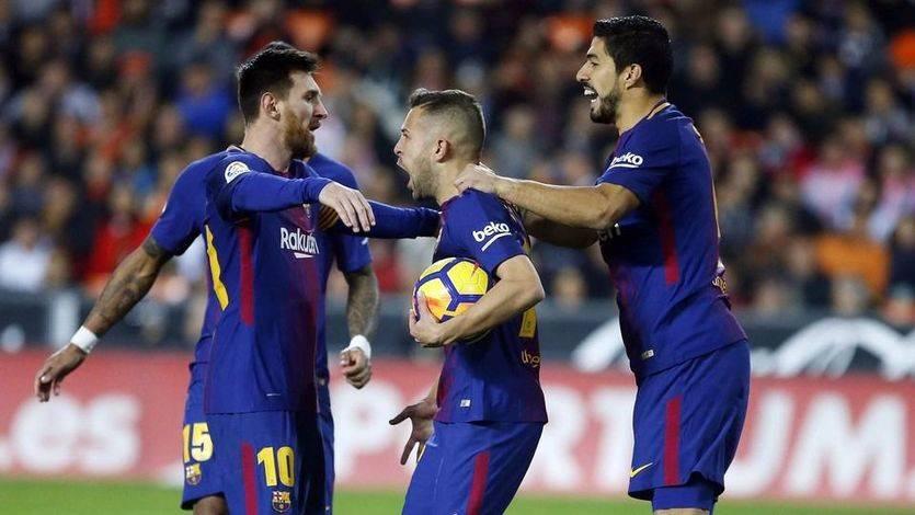 El Barça salva un punto en Mestalla tras el gol fantasma más claro del mundo (1-1)
