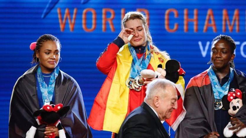 Lidia Valentín vuelve a levantar la gloria española en Halterofilia: campeona del mundo