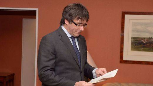 Puigdemont sigue provocando desde Bélgica: su huida fue