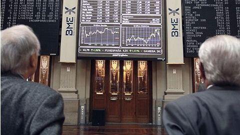 Las bolsas cierran con suaves caídas a la espera de los bancos centrales