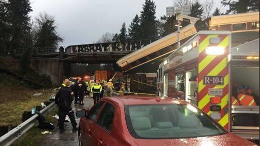Descarrila un tren cerca de Seattle dejando al menos 3 muertos y 77 heridos