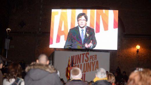 Puigdemont cerró campaña evitando enfrentarse a Junqueras sino pidiendo el voto anti-Rajoy