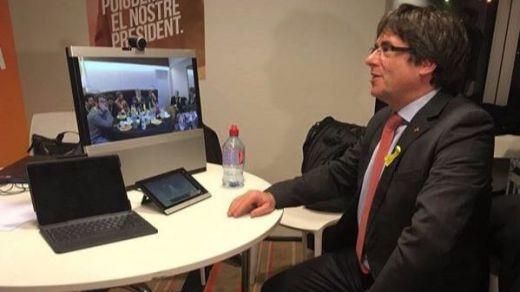Un Puigdemont crecido tras los resultados exige suspender el 155 y liberar a los presos