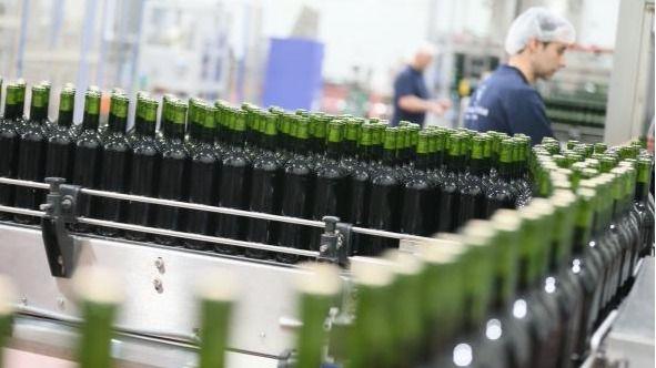 Fábrica de embotellado de vino