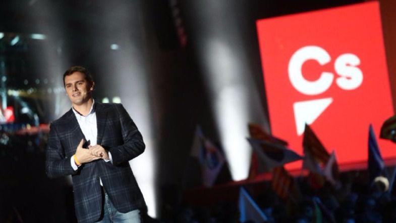 Nervios en Génova: el PP se pone manos a la obra para parar a Ciudadanos y no perder el liderazgo de la política nacional