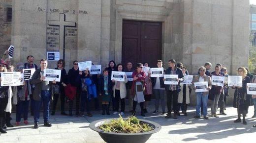 El Gobierno mira hacia otro lado ante el polémico 'referéndum' de Pontecesures sobre la retirada de símbolos franquistas