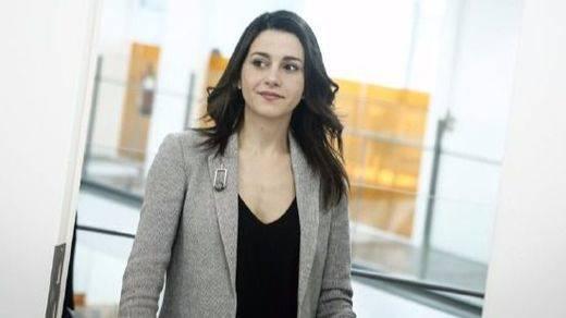Más presión para Arrimadas: los empresarios le piden que intente ser investida presidenta