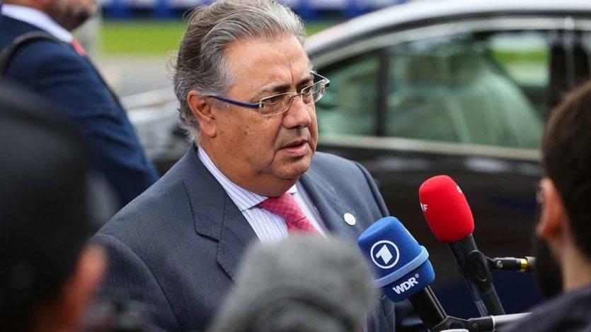 Zoido cree que una investidura 'plasma' de Puigdemont sería 'ridiculizar' a todo el pueblo