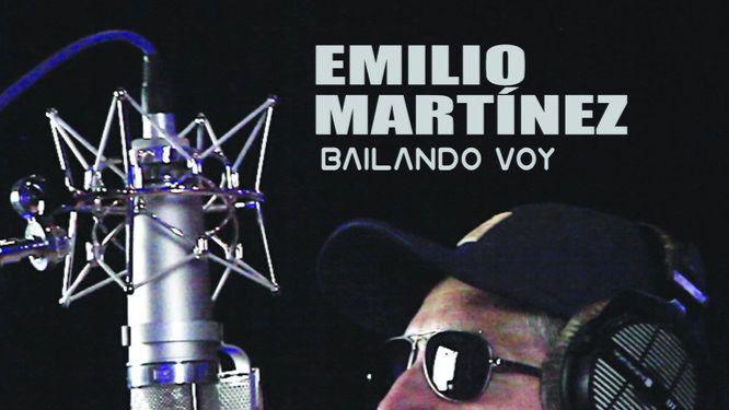 Emilio Martínez canta y 'baila' (bien) por amor a la música, que forma parte de su vida