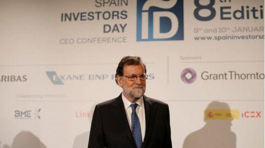 Rajoy asegura a los empresarios que continuará el crecimiento: