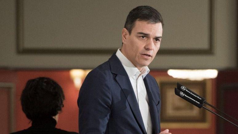 Sánchez propone un polémico 'impuesto extraordinario' a la banca para que sostenga las pensiones