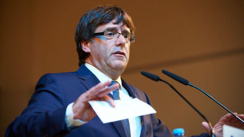 Puigdemont no parece pensar en volver: pide delegar el voto en la investidura y se cita con Torrent en Bruselas