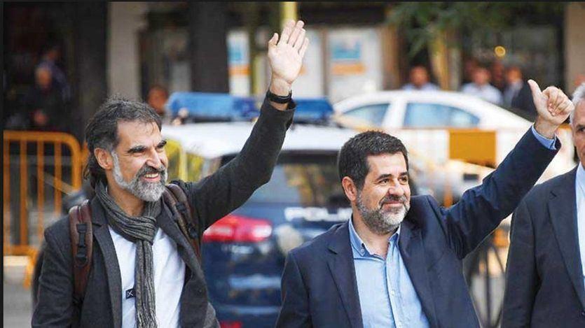 La Guardia Civil registra las sedes de la ANC y Òmnium en busca de pruebas de la relación entre los 'Jordis' y el Govern cesado