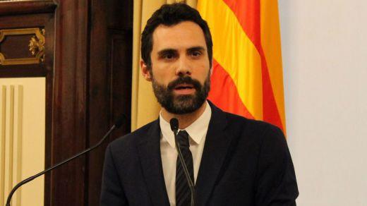Torrent claudica ante el Constitucional y suspende la investidura imposible de Puigdemont