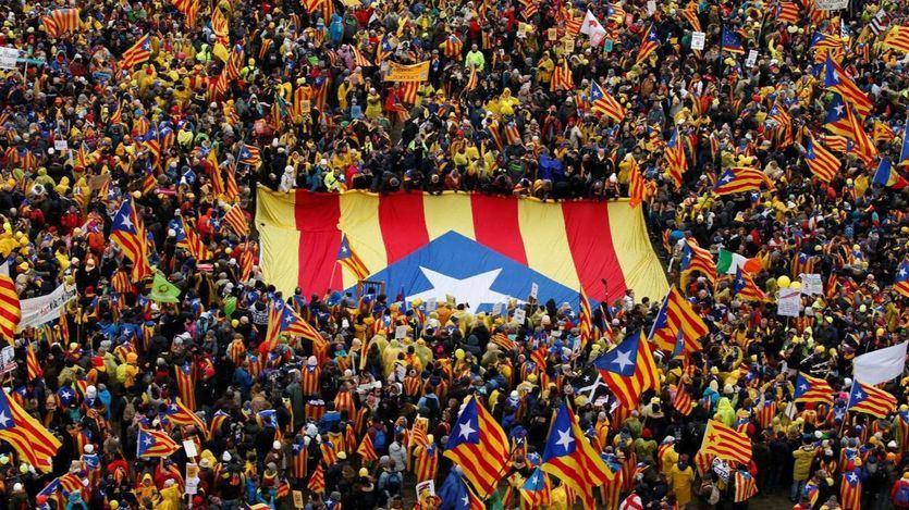 > El procés supuso la salida de 3.000 empresas de Cataluña y una fuerte caída del turismo