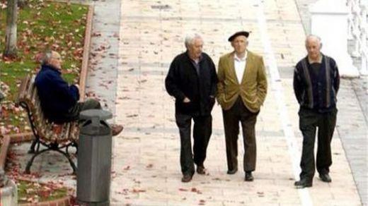 Recogida de firmas en las calles de toda España por el blindaje constitucional de las pensiones