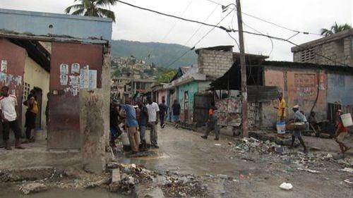 Oxfam admite que algunos de sus trabajadores contrataron prostitutas en Haití tras el terremoto