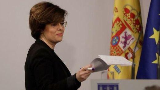 Sáenz de Santamaría descarta el plan de Puigdemont: