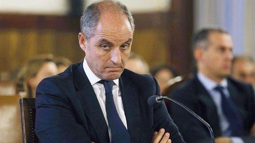 Camps responde así a las acusaciones de Bárcenas y Costa: 'Rajoy no me llamó'