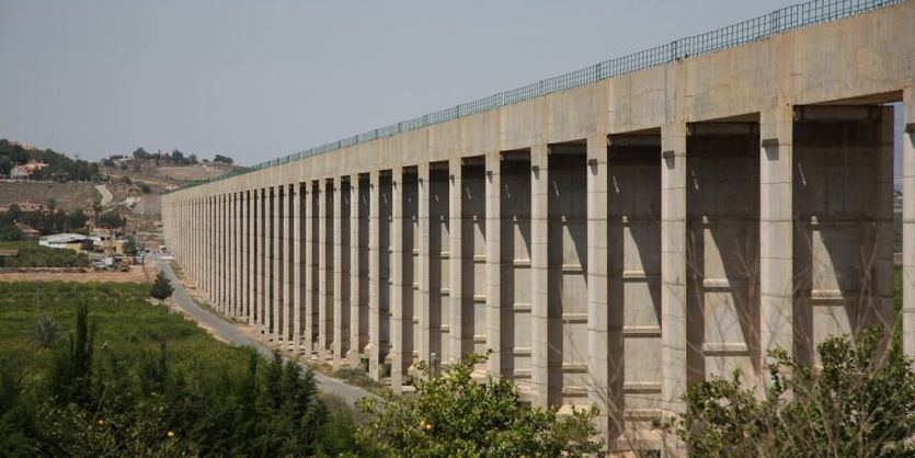 El Gobierno regional avanza una iniciativa para 'declarar la guerra' a la continuidad del trasvase Tajo-Segura